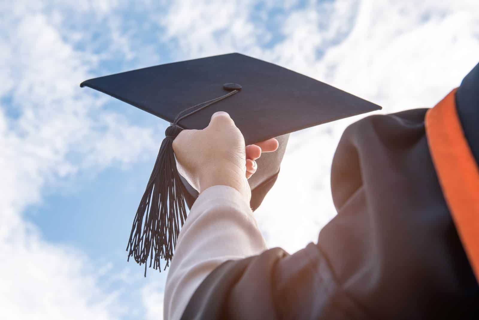 Krediti za obrazovanje i školarinu