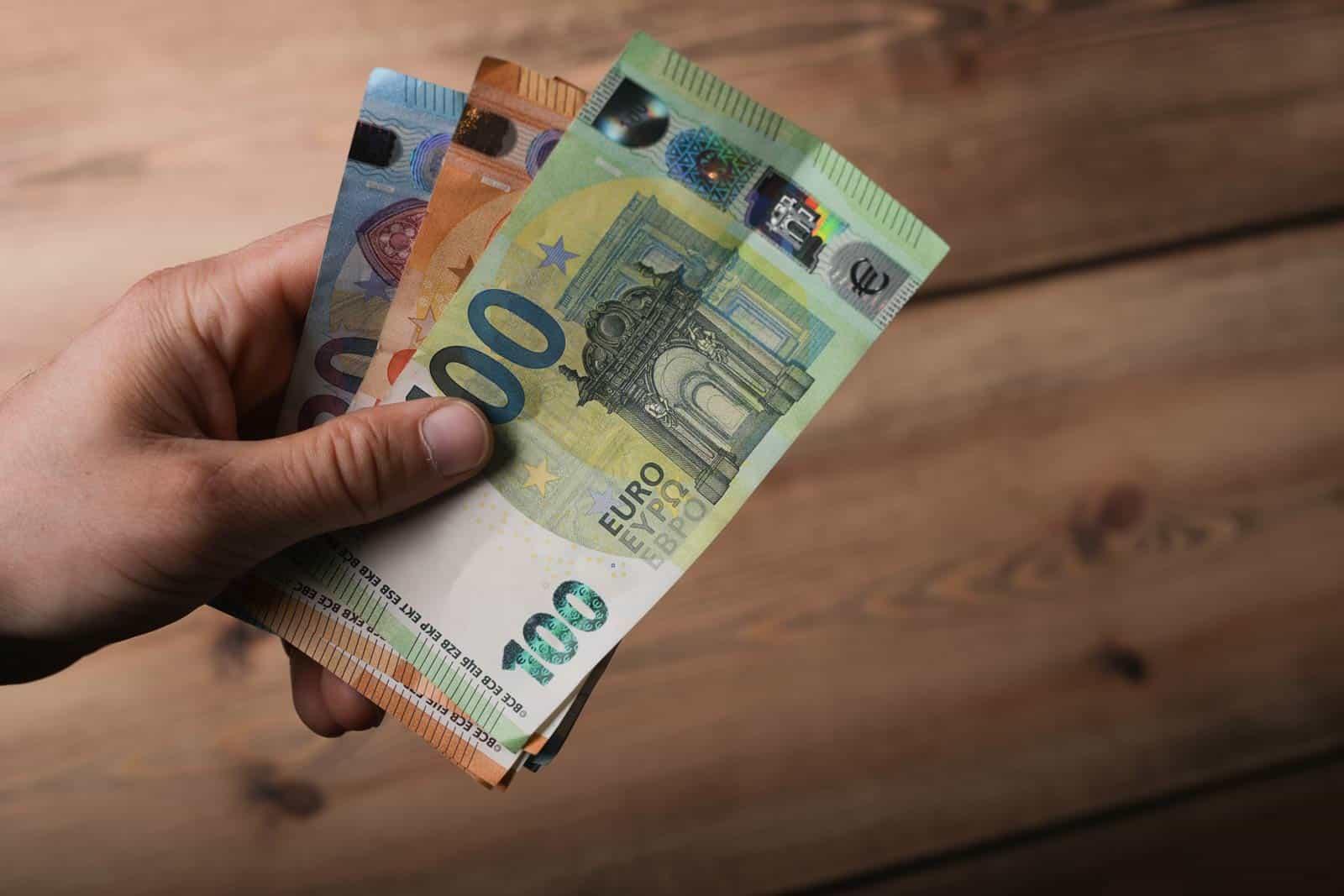 Krediti za zaposlene na određeno Erste