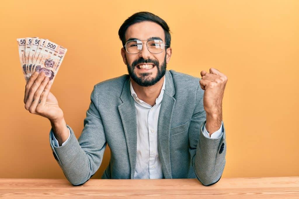 Pozajmiti novac